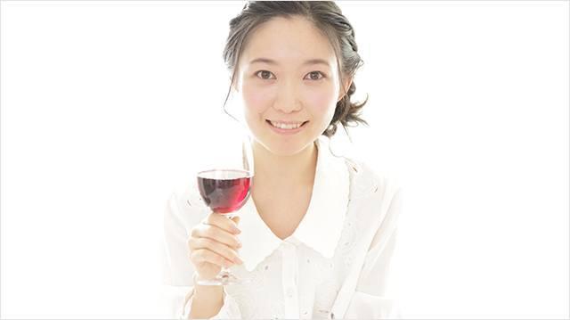 [写真]グラスの持ち方イメージ